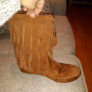 Pocahontas Boots
